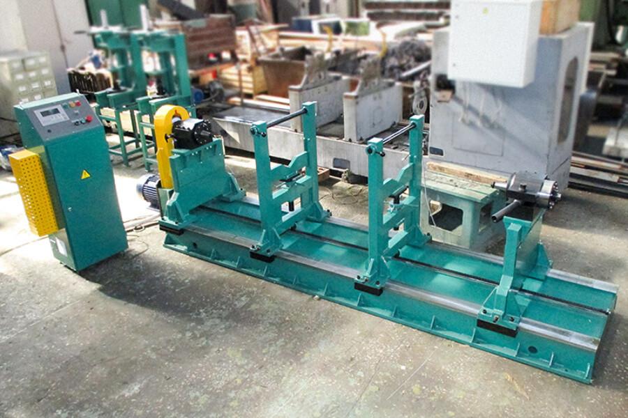 Станок для балансировки тяжёлых карданных валов до 1000 кг модели 97ВК1000