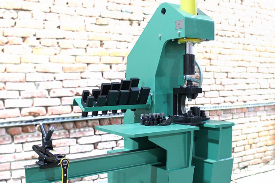 Пресс для разборки и кернения карданных валов П1515К