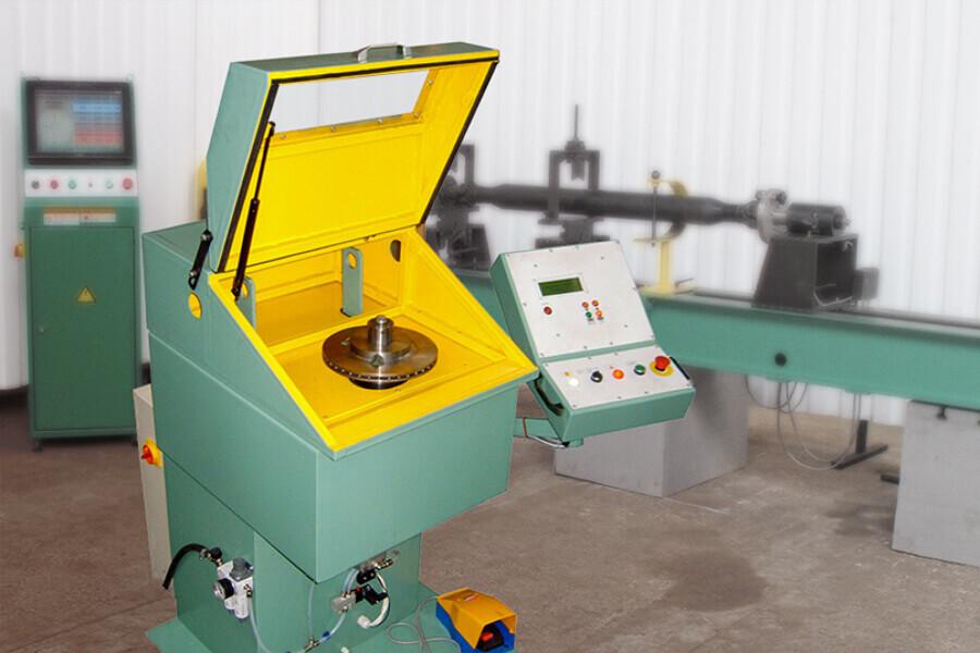 Полуавтоматический станок для балансировки тормозных дисков модели БВИ-03-80М2